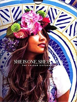She Is One, She Is Many by Robbie Houston - 9780646569659