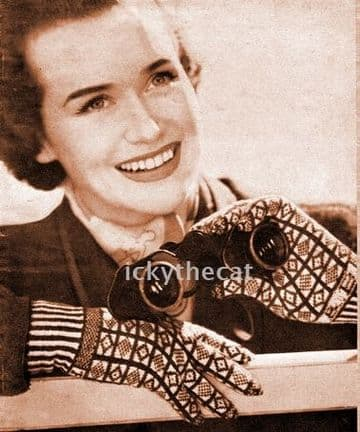 PDF Digital Download Vintage Knitting Pattern Ladies Women's Sanquhar Gloves Cuff Initials 2 ply