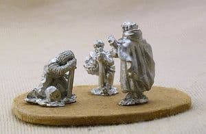 CB41 Cleric with praying knights