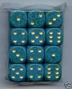 12 x 6-sided Elemental Dice: Mottled Green Gold Spots
