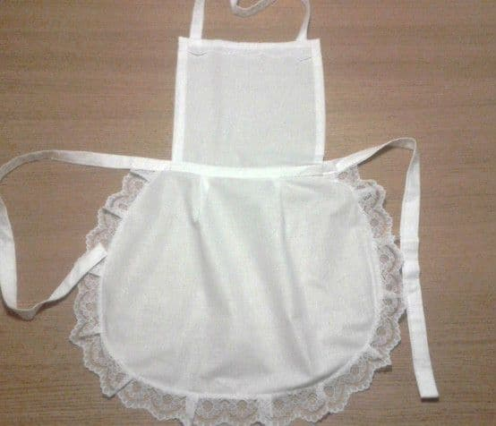 10 X  LADIES WHITE FULL APRON PINNY LACE  VICTORIAN MAID  VINTAGE RETRO