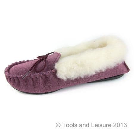 Moccasin Slippers-Fur Lined Size 4 Plum
